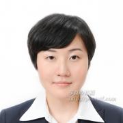 髪型の女性 見本写真