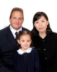 小学校受験 受験用家族証明写真は東京のスタジオ 写真の高橋でどうぞ。