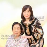 お母さまと娘様で記念写真