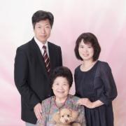 ペットと一緒にご家族写真