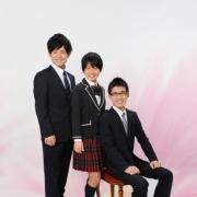 家族で入学記念写真