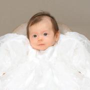 天使のような赤ちゃんの記念写真