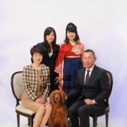 ペットと一緒の家族写真 卒業記念に