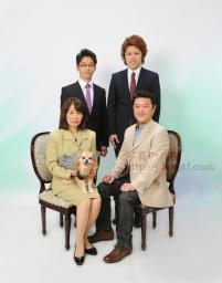 ペットと一緒の家族写真 家族記念写真、ファミリーフォト、ペットと一緒