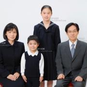 小学校受験用家族写真 髪型 服装 ネクタイ例