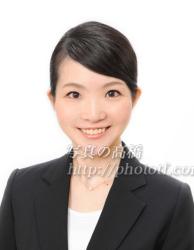 CA髪型写真前髪87表情は笑顔で