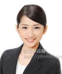 CA髪型写真笑顔の表情80