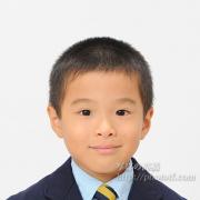 幼稚園 お受験写真,スーツにネクタイと正装で