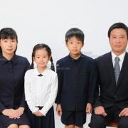 小学校受験用家族写真 ネクタイ,スーツ, 髪型,服装見本